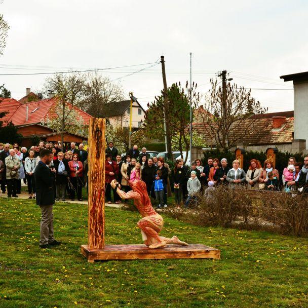 Vysviacka sochy Umučenie Krista